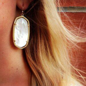 kendra-scott-danielle-earrings-ivory-pearl