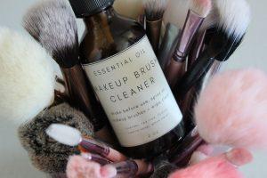 The Best Makeup Brushes + DIY Makeup Brush Cleaner
